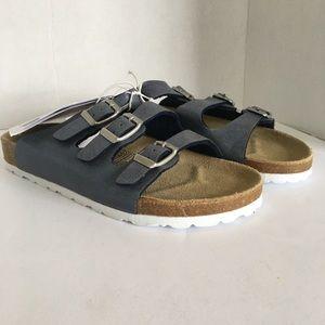 NWT Women's summer sandal/ slipper size 6